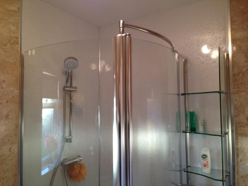 Bathroom northallerton for Bathroom cabinets yorkshire